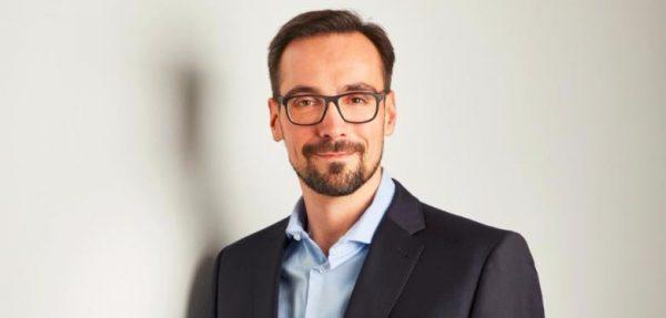 Dr. Thomas Kostera